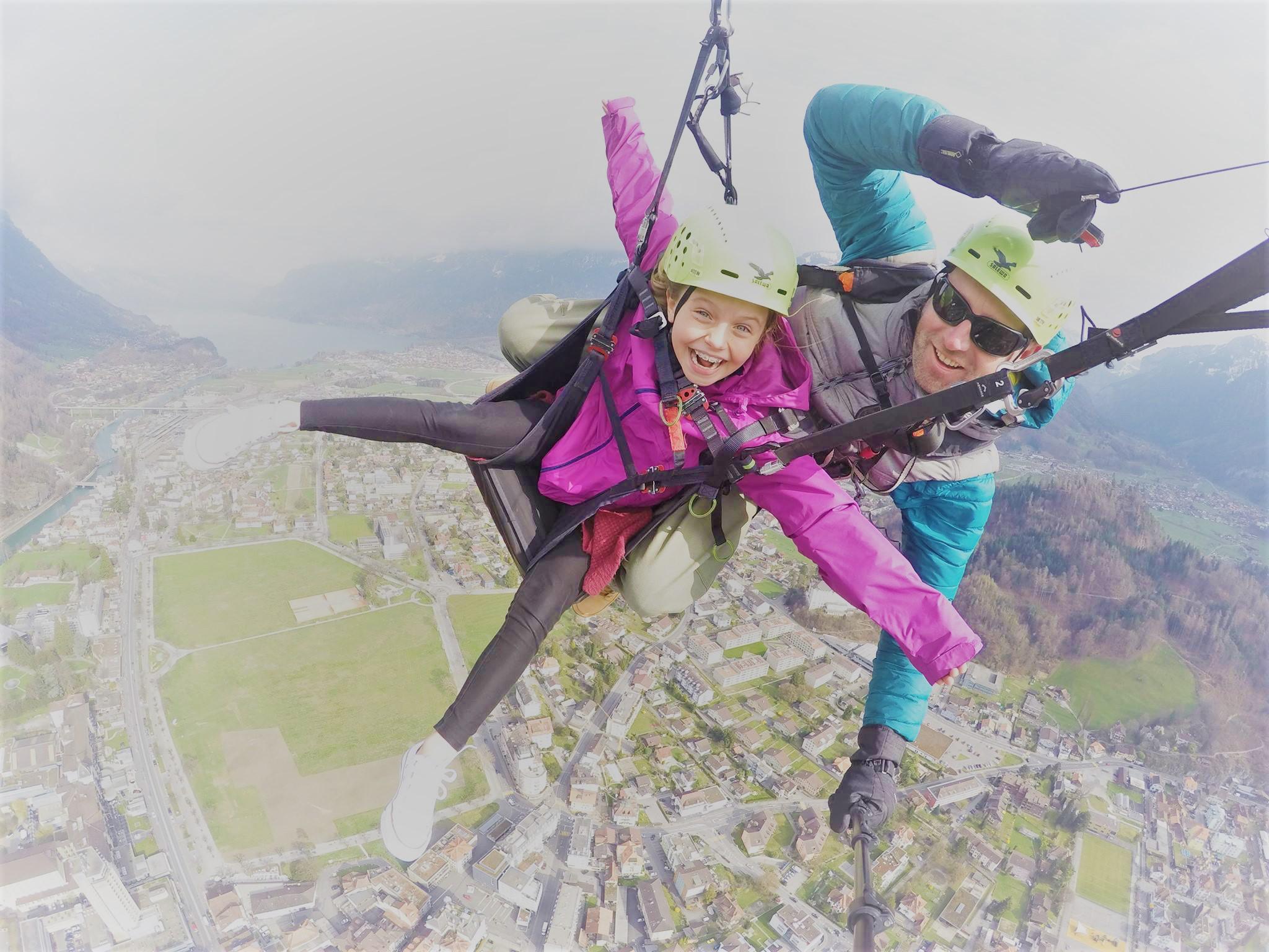 Paragliding with kids Interlaken big smiles (Icarus) - Copy